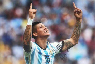 Signed Marcus Rojo Photo - Genuine Argentina Football Autograph