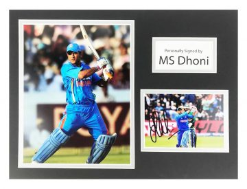 Signed Ms Dhoni Photo